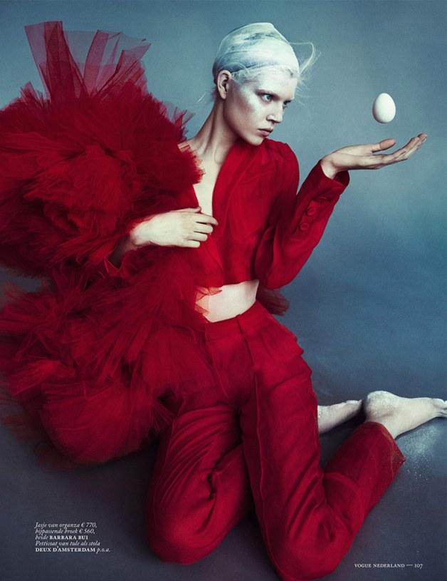 Ola Rudnicka for Vogue Netherlands 15