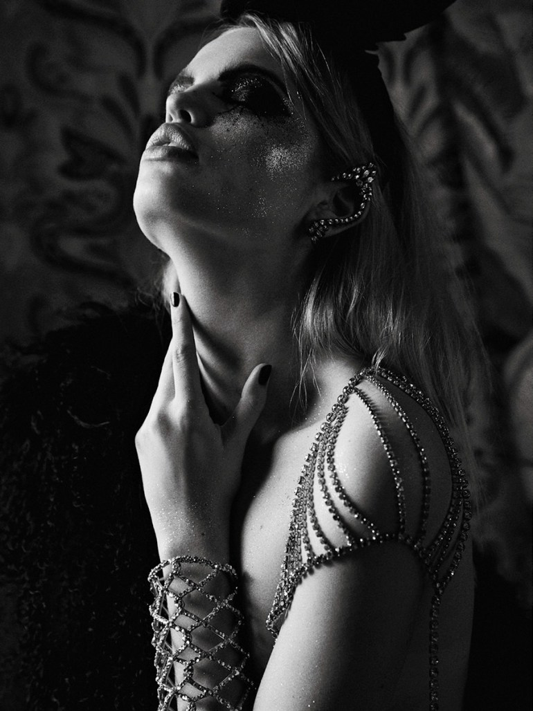 daphne-groeneveld-by-david-roemer-for-zoo-magazine-spring-summer-2016-4
