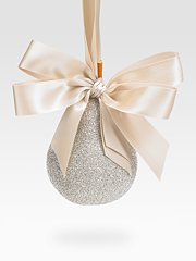 ELLIOT-RAFFIT-PEAR-ornament-at-SAKS-in-home-for-the-holidays-on-fashiondailymag