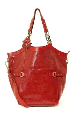 C.LILI-by-CORALIE-CHARRIOL-red-aurelia-bag-on-fashion-daily-mag