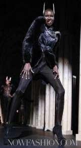 14-THIERRY-MUGLER-FALL-2011-PARIS-selection-brigitte-segura-photo-nowfashion.com-on-fashiondailymag-brigitte-segura