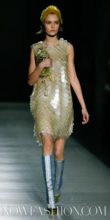 32-PRADA-FW2011-MILAN-fdm-runway-selection-brigitte-segura-photo-nowfashion.com-on-fashiondailymag