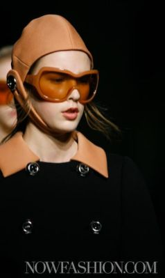 38-PRADA-FW2011-MILAN-fdm-runway-selection-brigitte-segura-photo-nowfashion.com-on-fashiondailymag