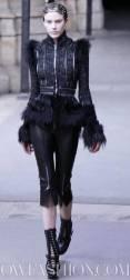 ALEXANDER-McQUEEN-FALL-2011-paris-runway-selection-brigitte-segura-photo-19-nowfashion.com-on-fashion-daily-mag