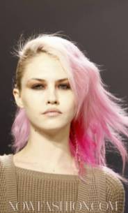 CHARLOTTE-RONSON-pink-braids-HAIR-on-the-runway-photo-nowfashion.com-on-fashiondailymag