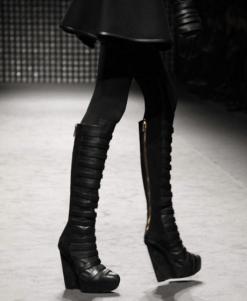 GARETH-PUGH-BOOTS-from-runway-PARIS-F2011-photo-nowfashion.com-on-fashiondailymag