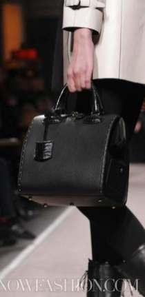 LOEWE-F2011-runway-selection-by-brigitte-segura-photo-4-nowfashion.com-on-FashionDailyMag