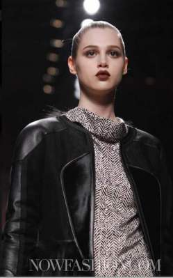 LOEWE-F2011-runway-selection-by-brigitte-segura-photo9-nowfashion.com-on-FashionDailyMag