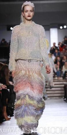 MISSONI-F2011-runway-milan-photo-19-nowfashion.com-on-fashiondailymag.com-brigitte-segura