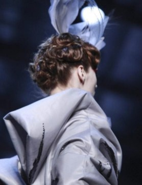 CHRISTIAN-DIOR-HAUTE-couture-spring-2011-selection-brigitte-segura-photo-nowfashion-in-bling-on-the-hair-trends