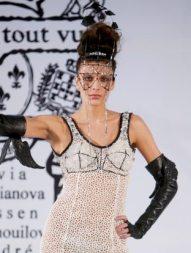 ON-AURA-TOUT-VU-spring-2011-runway-paris-sel-brigitte-segura-photo-2-nowfashion-in-BLING-on-hair-trends