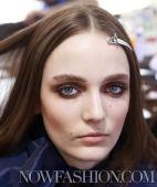 CHLOE-f2011-backstage-beauty-3-smokey-eyes-photo-nowfashion-on-fashiondailymag