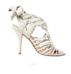 nicole-brundage-white-braided-shoes-on-FashionDailyMag-brigitte-segura