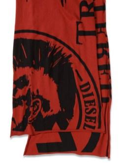 Diesel-Moicol-Scarf-on-www.fashiondailymag.com-by-Brigitte-Segura
