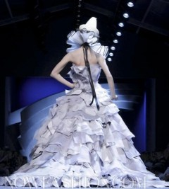 FASHIONDAILYMAG-selects-CHRISTIAN-DIOR-haute-couture-fw11-runway-photo-NowFashion-on-FDM