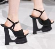 FDM-selects-IRIS-VAN-HERPEN-f2011-couture-paris-photo-6-NowFashion-on-FDMloves