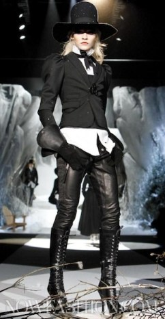 Dsquared2-fall-2011-FDM-selection-brigitte-segura-photo-29-REGIS-nowfashion.com-on-fashion-daily-mag