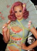 katy-perry-at-VMA-with-frederick-fekkai-on-FashionDailyMag
