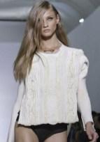 KANYE WEST sel 5 FashionDailyMag photo NowFashion