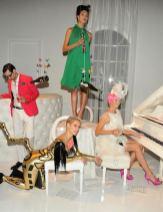 INTERACTIVE PHOTO SHOOT with MILES ALDRIDGE AT CEDAR LAKE on FashionDailyMag