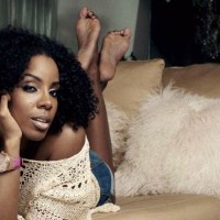 KELLY ROWLAND goes TW STEEL