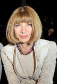 ANNA WINTOUR at BURBERRY SPRING 2013   FASHIONDAILYMAG