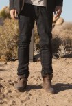 colin farrell wearing vintage shoe company in seven psychopaths