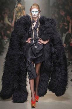Vivienne Westwood Fall Winter 2013 fashiondailymag look 30