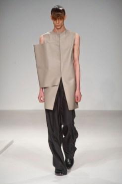 J.W. ANDERSON spring 2014 mens fashiondailymag sel 11