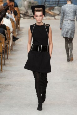 CHANEL haute couture fall 2013 fashiondailymag sel 21