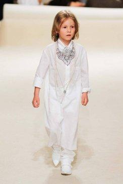 Chanel Resort 2015 Dubai FashionDailyMag sel 01