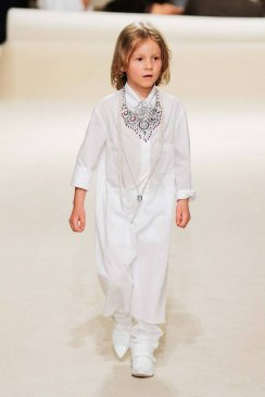 Chanel Resort 2015 Dubai FashionDailyMag sel 01