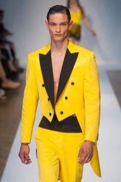 moschino menswear spring 2015 FashionDailyMag yellow