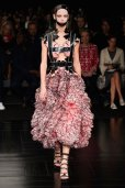 McQueen spring 2015 FashionDailyMag sel 96