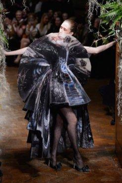 GILES FALL 2015 LFW fashiondailymag sel 28