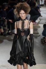 ALEXANDER MCQUEEN fall 2015 FashionDailyMag sel 48