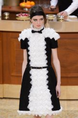 chanel fall 2015 fashiondailymag sel 8