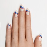 RED WHITE BLUE weekend nails