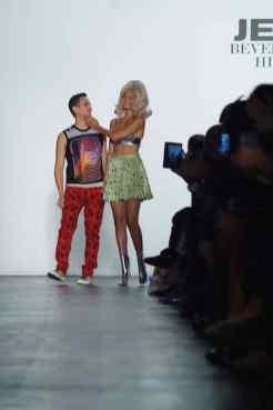 jeremy scott ss16 NYFW FashionDailyMag 2 gigi hadid
