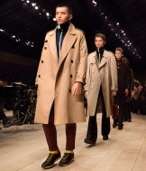 Burberry Menswear fashiondailymag January 2016 Show Finale_001