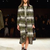 Burberry Womenswear February 2016 Collection - Look 10