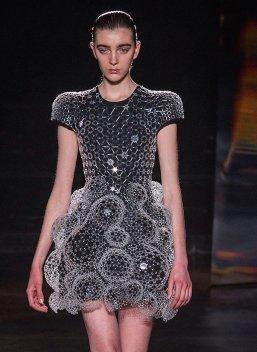 IRIS VAN HERPEN fw16 FashionDailyMag sel 3