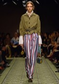 burberry-september-2016-collection-look-49