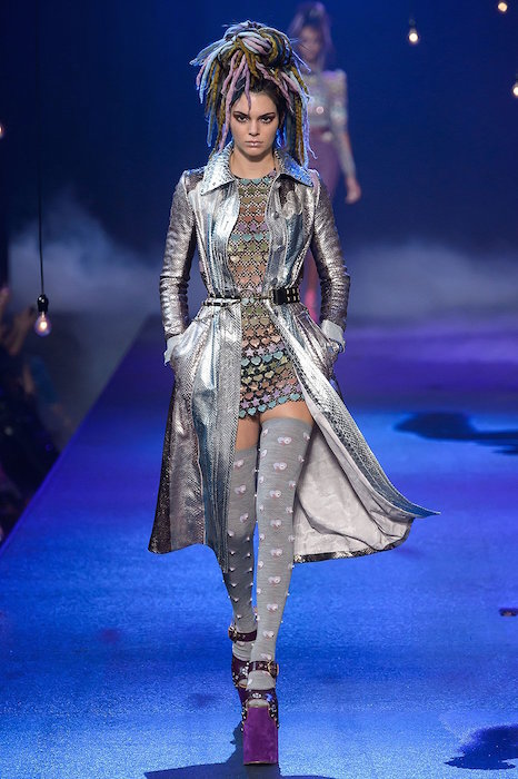 kendall-jenner-marc-jacobs-ss17-fwp-fashiondailymag-29