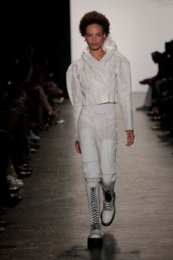 geumi-lee-academy-of-art-ss17-nyfw-fashiondailymag_049