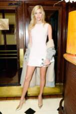 devon windsor dior art of color fashiondailymag
