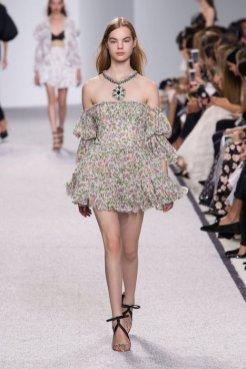 GIAMBATTISTA VALLI SS17 fashiondailymag 16