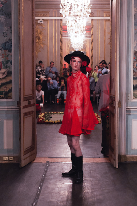PALOMO SPAIN PRE SPRING 2018 PARIS fashiondailymagPALOMO SPAIN PRE SPRING 2018 PARIS fashiondailymag4(2)