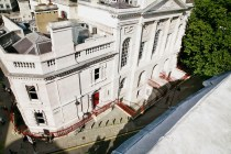 Burberry show venue - Old Sessions House_001 fashiondailymag