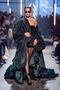 bella hadid ALEXANDRE VAUTHIER HAUTE COUTURE SS18 FASHIONDAILYMAG 131